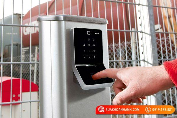 Các loại khóa vân tay cửa sắt giá rẻ đảm bảo chất lượng