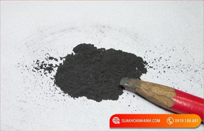 Cách mở khóa tủ sắt bằng bột than chì