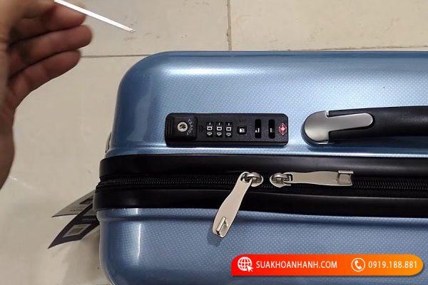 Đừng bỏ qua cách phá khóa vali của các thợ sửa khóa