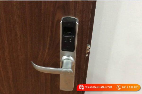 Hướng dẫn sử dụng khóa vân tay Adel 4910 đơn giản nhất
