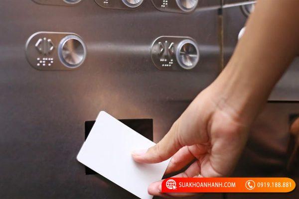 Hướng dẫn cách sử dụng thẻ từ thang máy đơn giản nhất