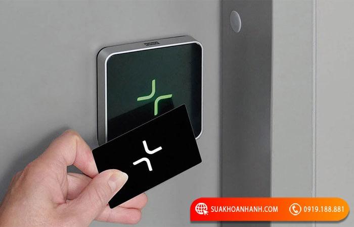 Sao chép thẻ từ thang máy Bình Thạnh