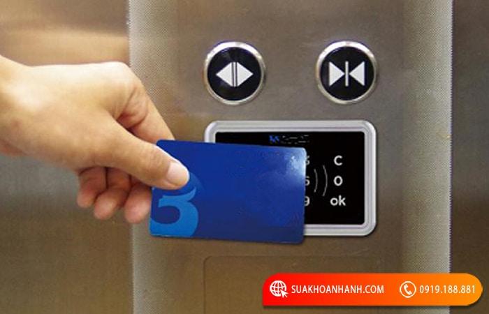Thẻ từ thang máy là gì?